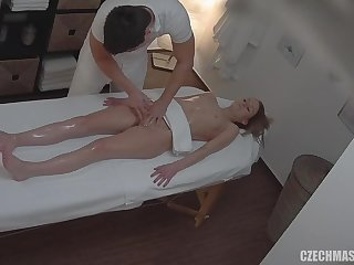 Amateurs Girl Gets Vagina And Melons Rub-down - Darkhaired Babe